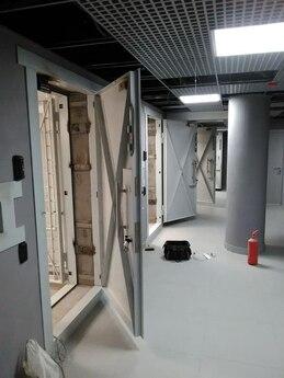 Дверной блок КХО 900x2100 мм в комплекте с решетчатой дверью