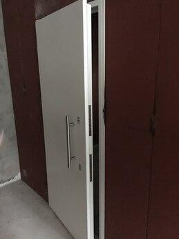 Дверной блок защитный Бр5 класса пулестойкости 900х2100 мм